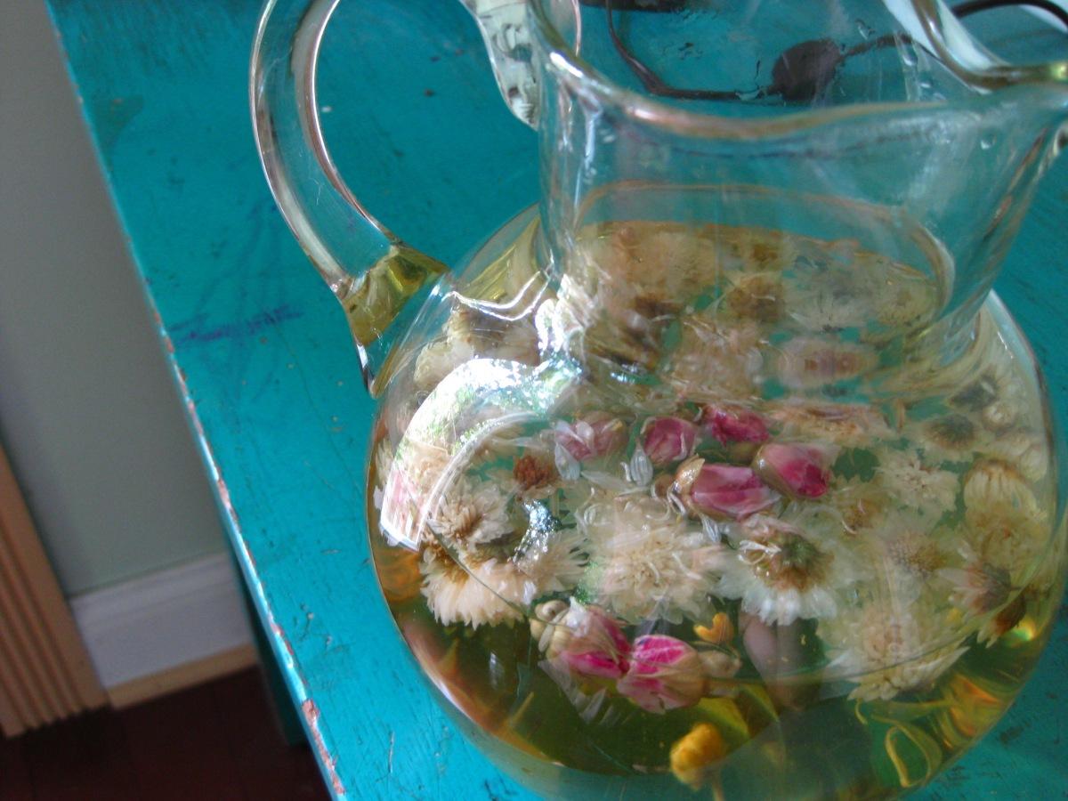 rosebuds and chrysanthemum blend